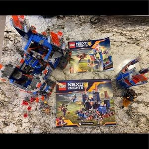 Lego Nexo Knights The Fortrex & Merlock's Library